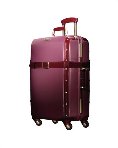 Right vintage looking luggage think